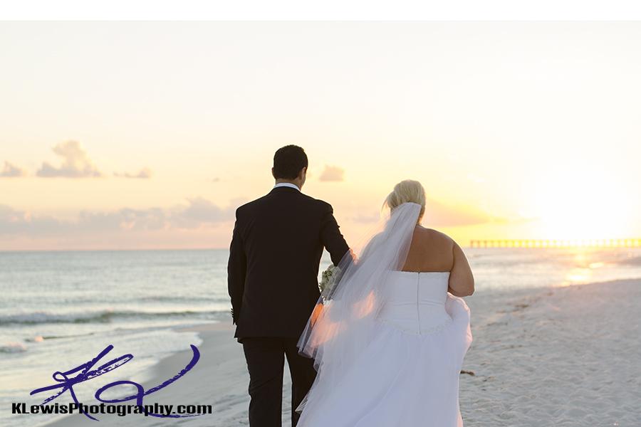 pensacola wedding photographer captures wedding at pensacola beach florida