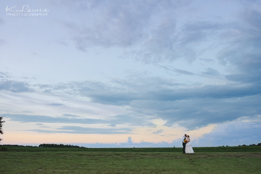 wedding photos at holland farms milton florida