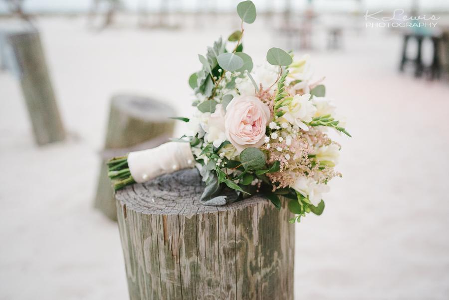 margaritaville hotel pensacola beach wedding photos