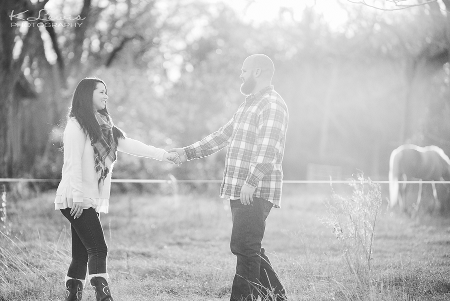 woodsy engagement photographer pensacola