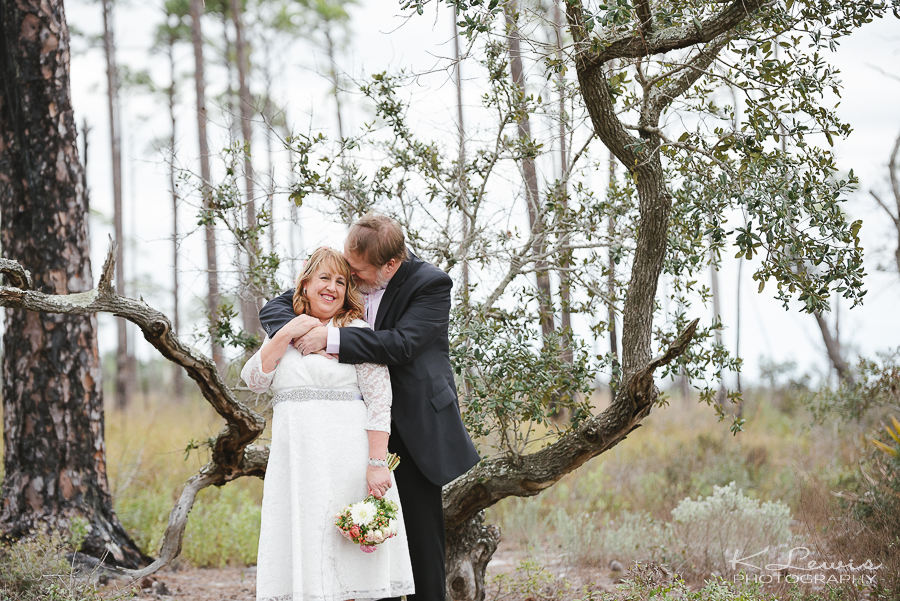 pensacola fl wedding photographer at big lagoon wedding ceremony