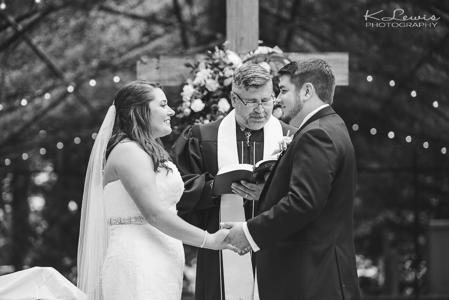 pensacola wedding photographer at historic malbis nursery