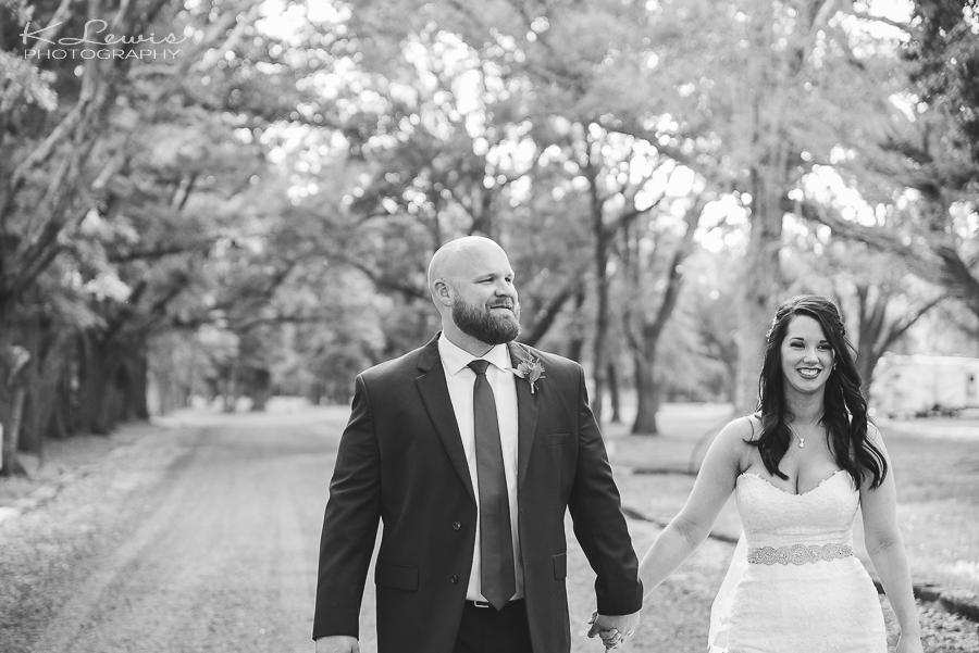 wedding reception photographer at ates ranch wedding barn