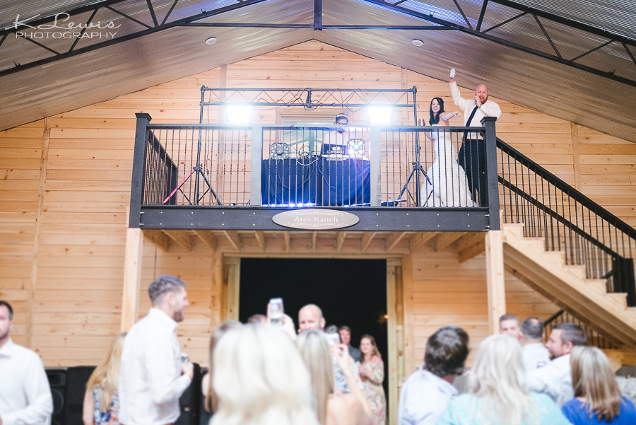 wedding photographers ates ranch wedding barn