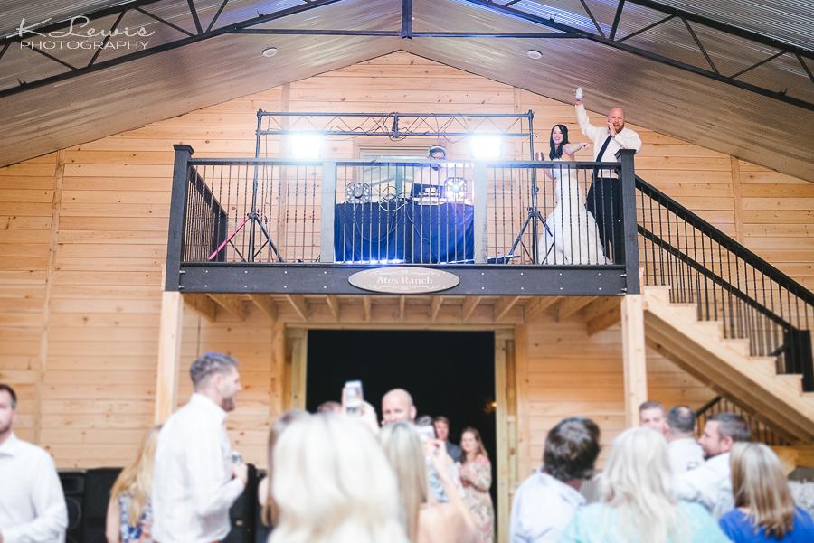 wedding photographers ates ranch wedding barn