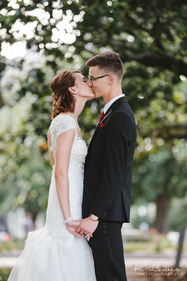 wedding elopement photos in downtown pensacola