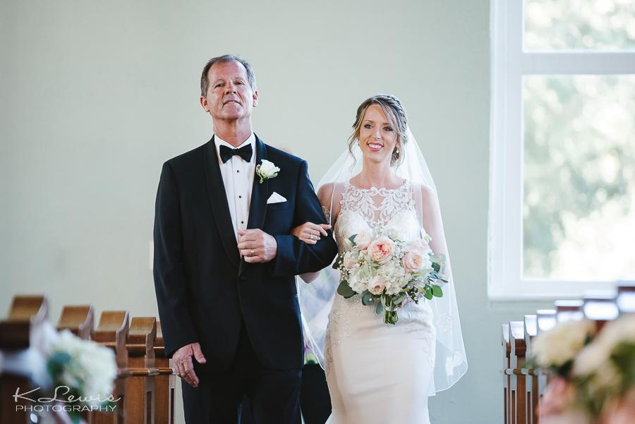 wedding photos at old christ church pensacola