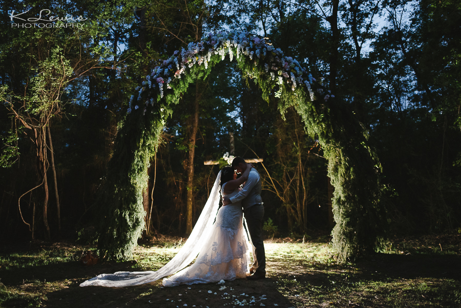 pensacola photojournalistic wedding photographer