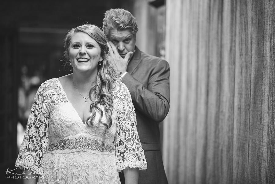 wedding photography barn at water oaks farm