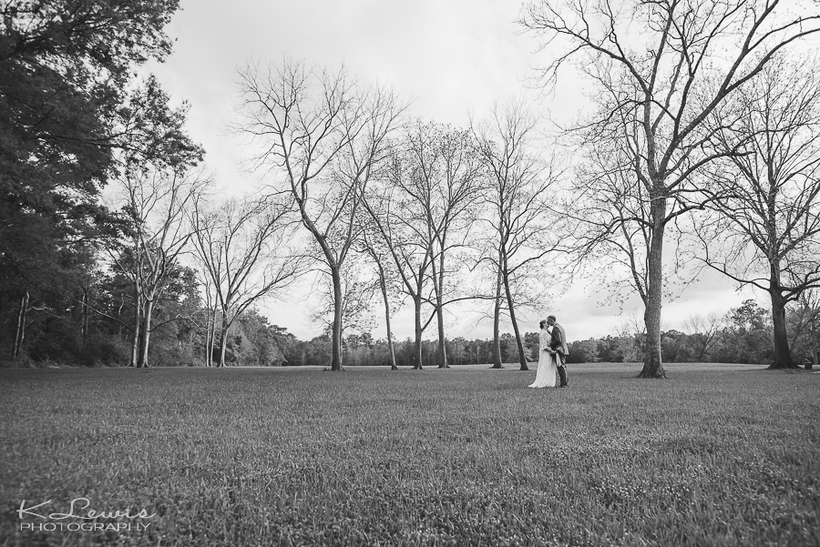 laurel hill wedding photographer barn at water oaks farm