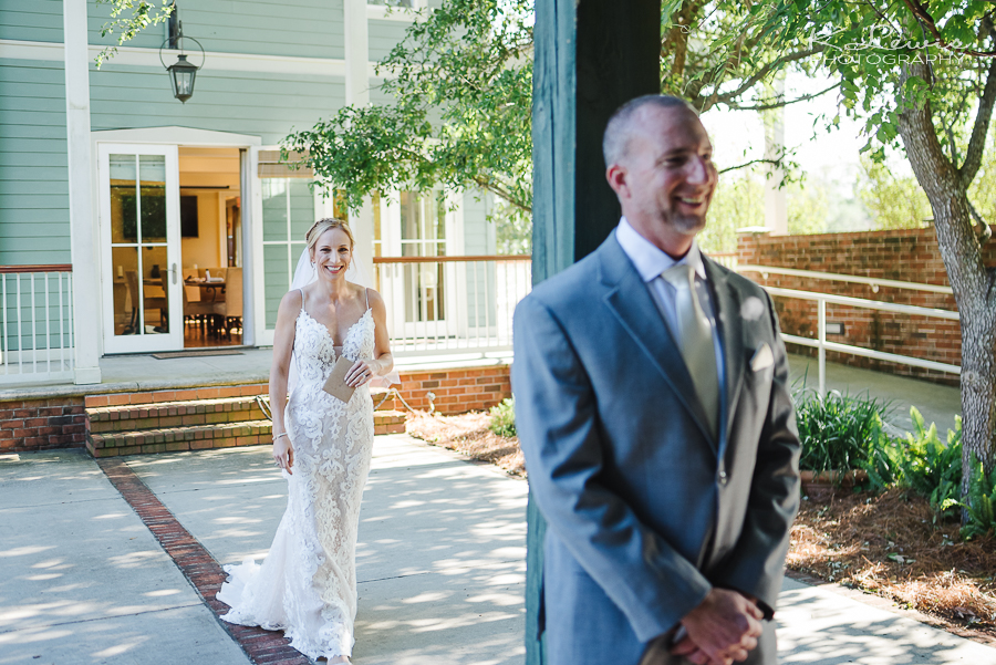 wedding photographer in downtown pensacola