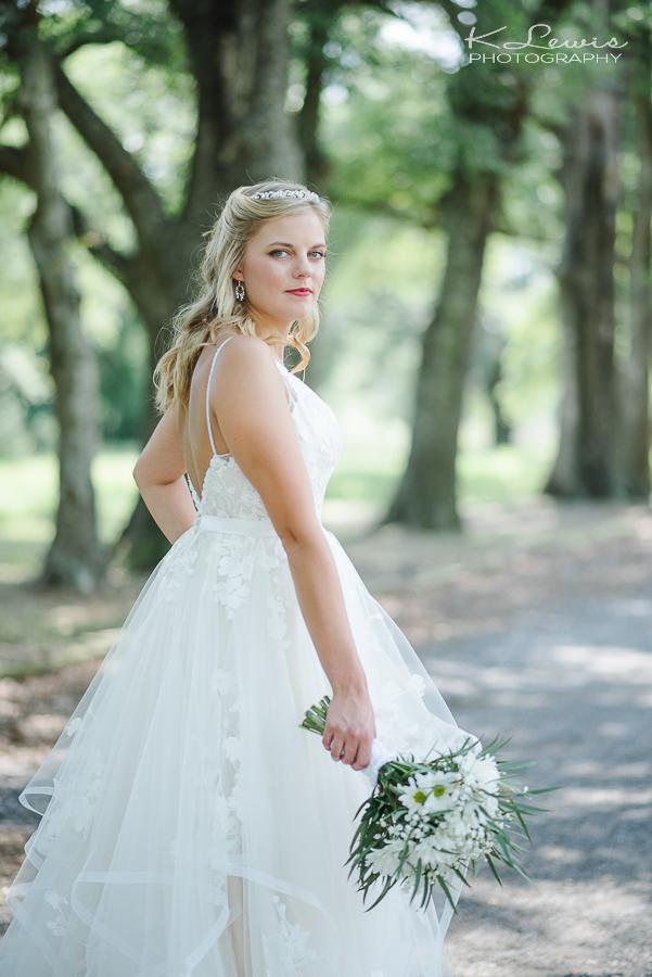 ates ranch wedding barn wedding photos