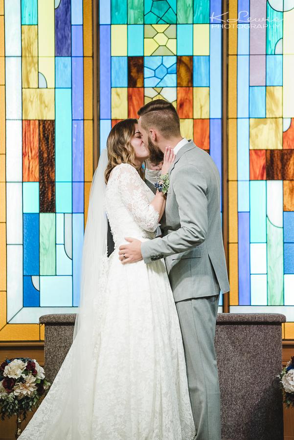 wedding photographer at pensacola heritage baptist church