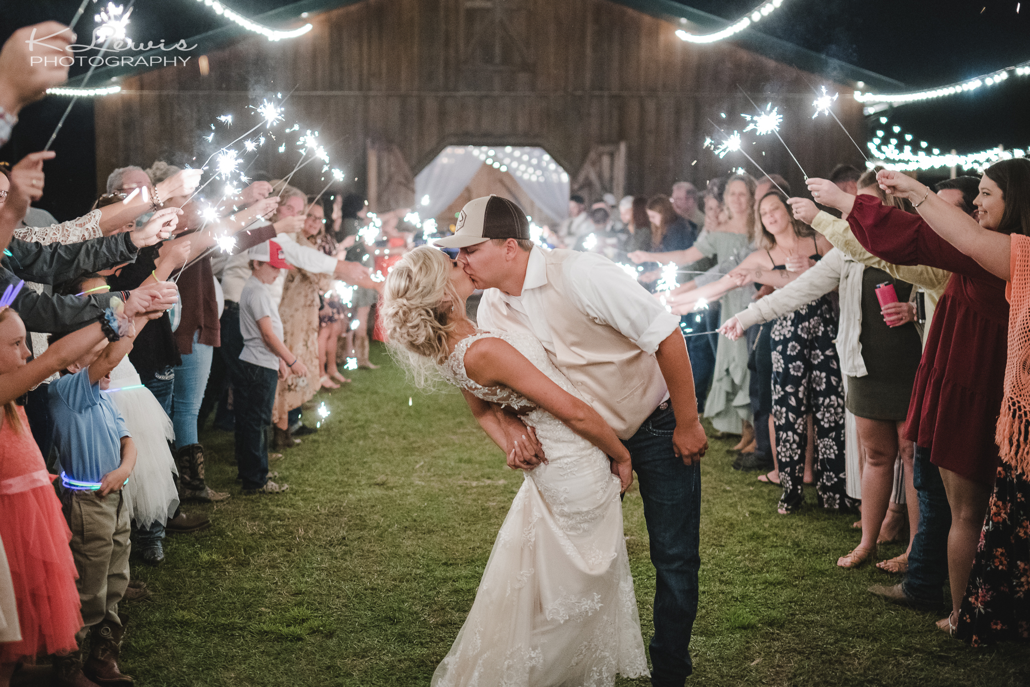 pensacola wedding photographer at sowell farms
