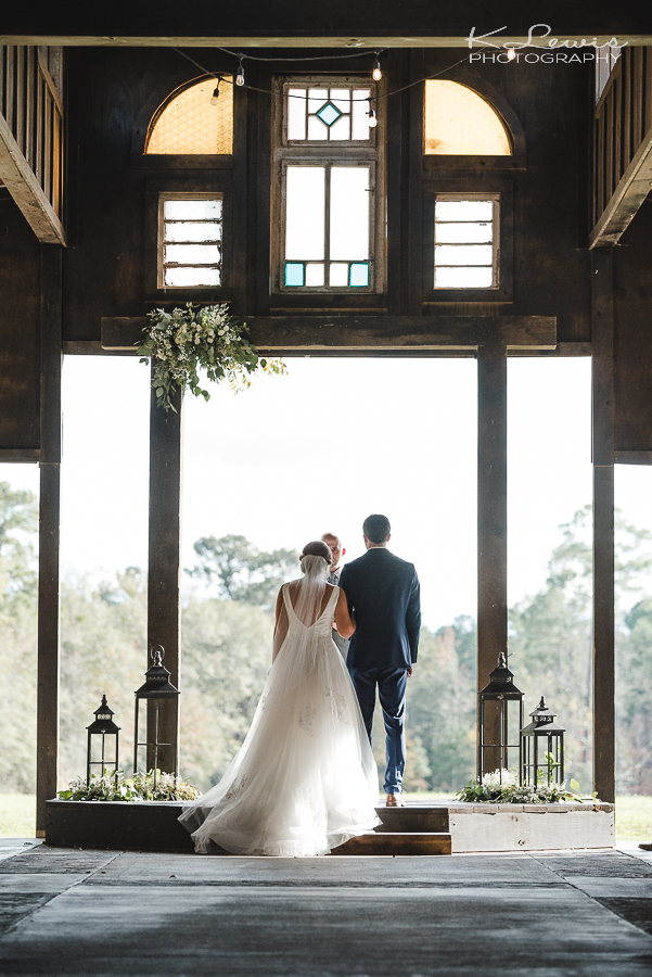 wedding photography the barn at water oaks laurel hill