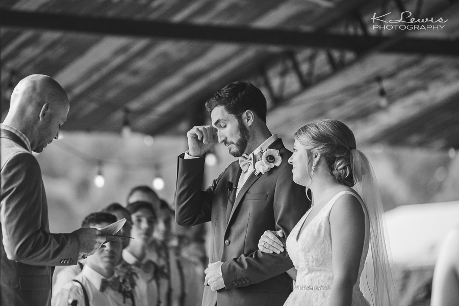 wedding photos the barn at water oaks laurel hill