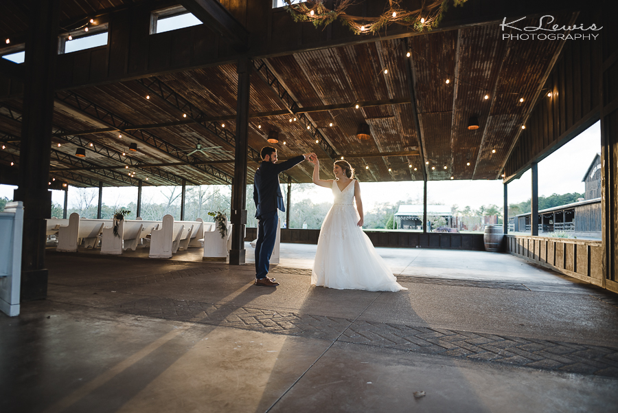 pensacola florida wedding photographers the barn at water oaks