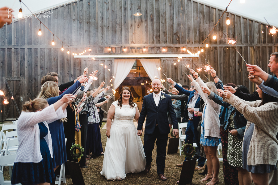 pensacola wedding photographer at ates ranch wedding barn