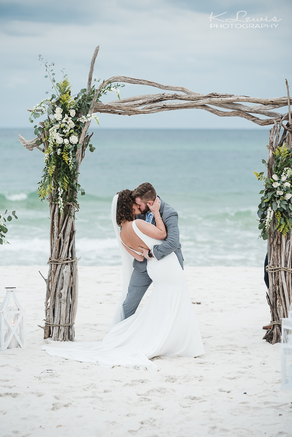 beach wedding photographer in gulf shores