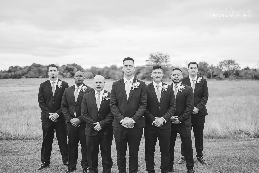 dallas wedding photographer at davis and grey farms