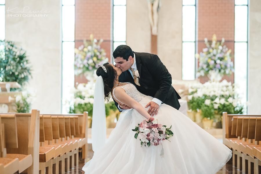 wedding photos at navarre st sylvester catholic church