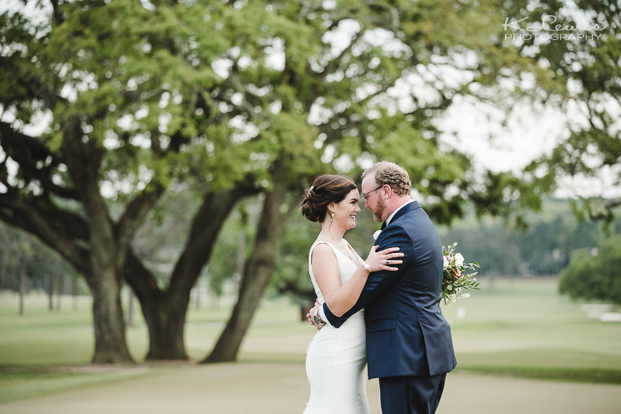 wedding photos at country club of mobile