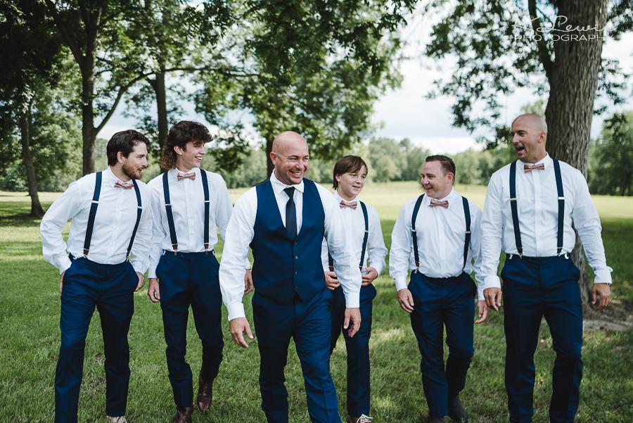 wedding photos at barn at water oaks farm