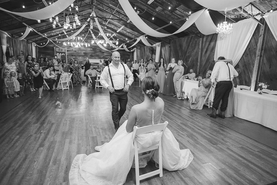 barn at water oaks wedding photos